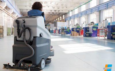 Cómo elegir un servicio de limpieza de naves en Murcia